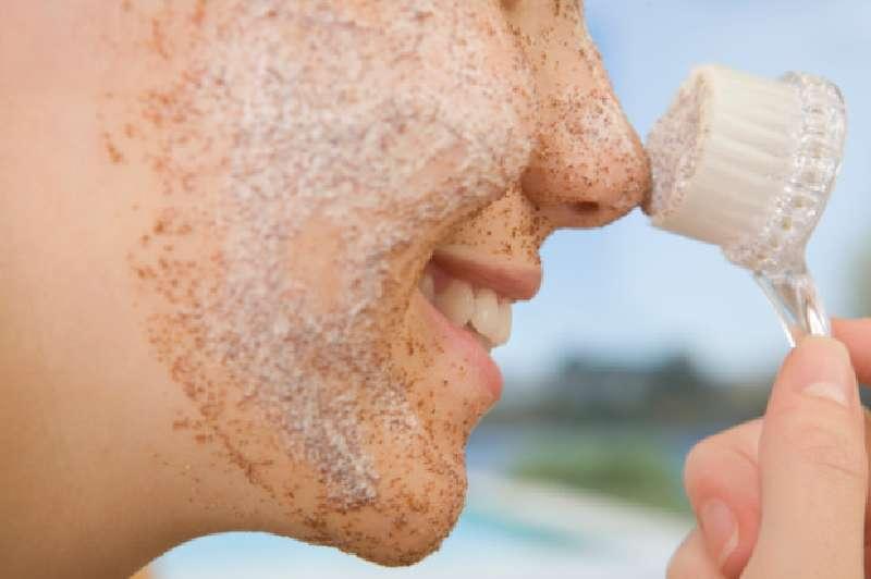 Как отшелушивать кожу в домашних условиях