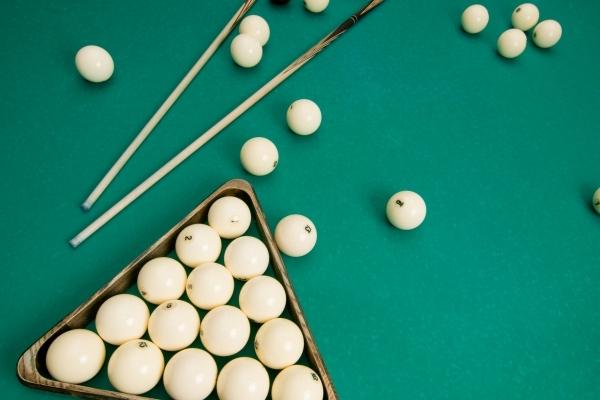Где научиться играть в бильярд