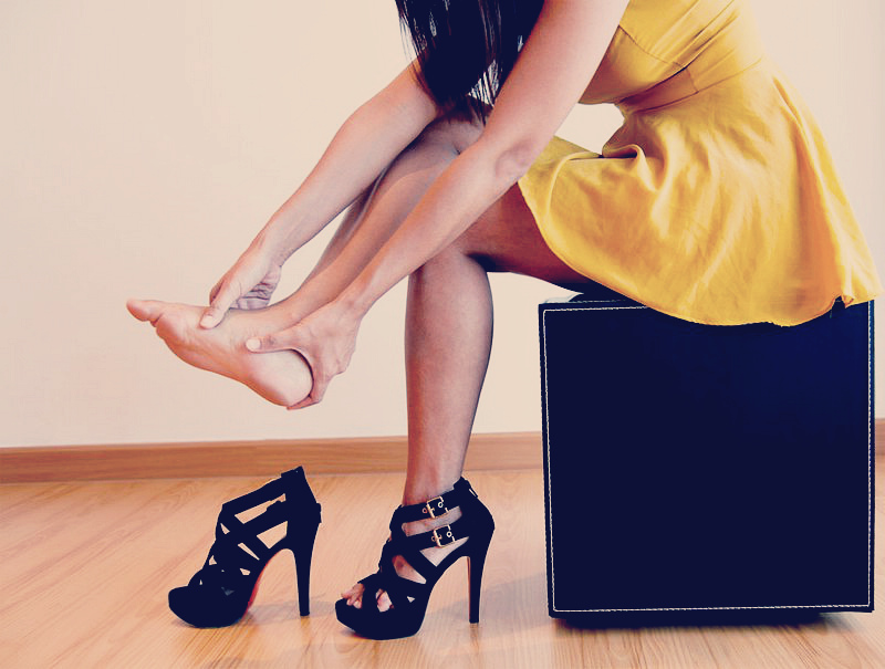 Heeled-Shoes-Wallpaper-768x512