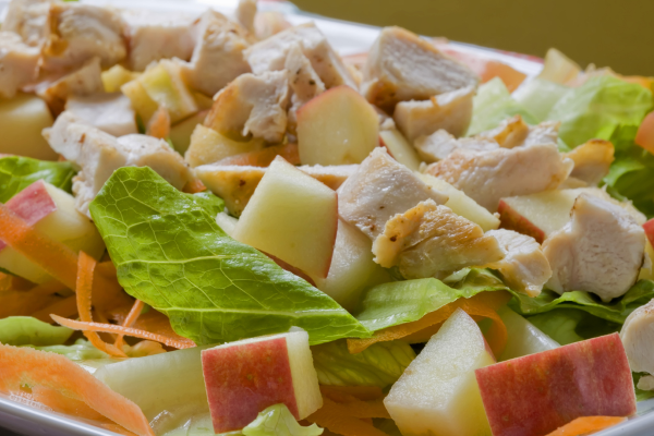 Салат из яблок и яиц без сыра