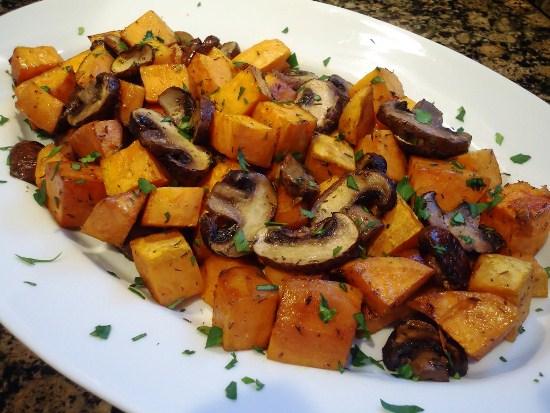 Блюдо из грибов и картофеля